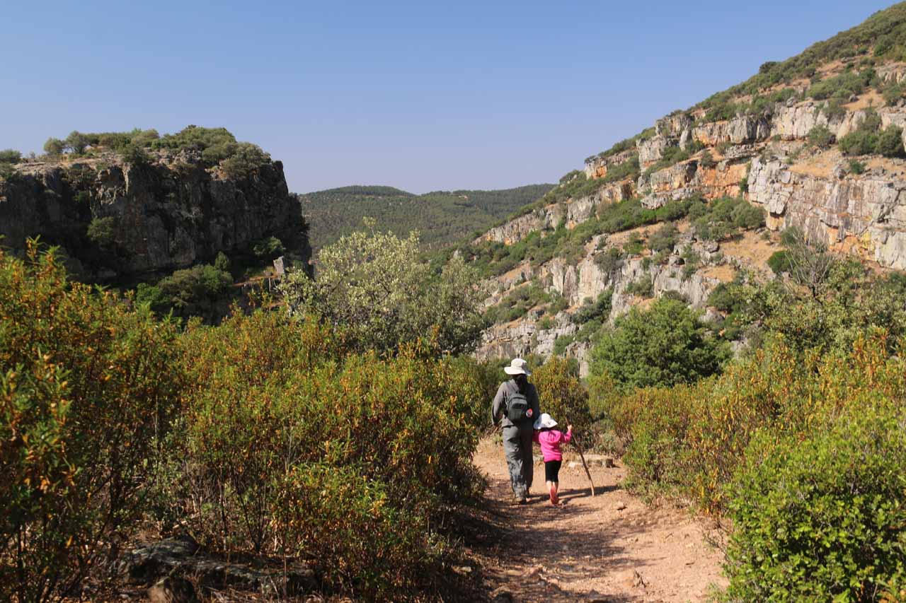 Julie and Tahia on the well-defined trail to reach the Cascada de la Cimbarra as we were approaching the rim of the deep gorge