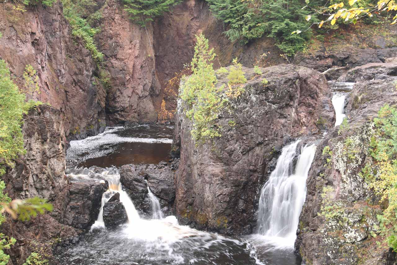 Frontal view of most of Copper Falls from the other side of the river