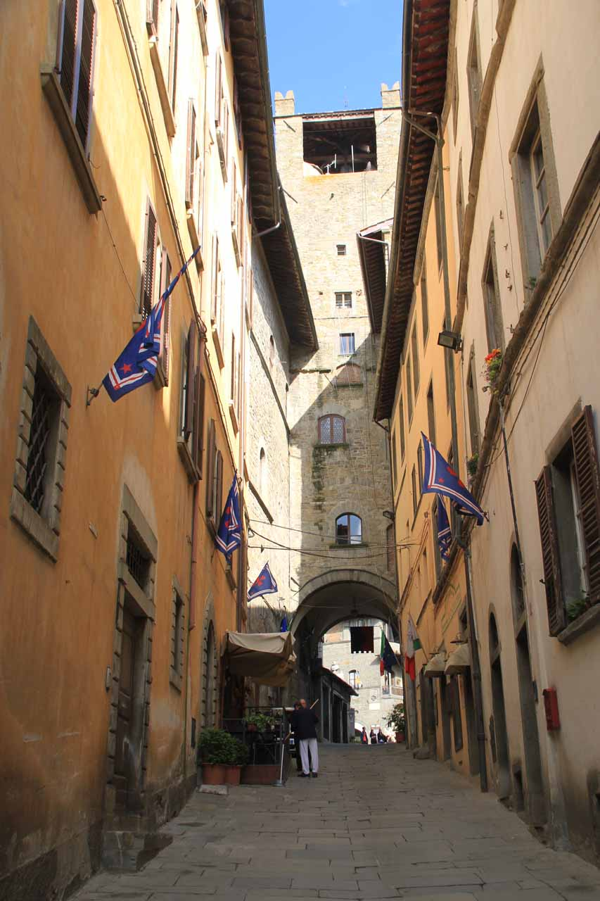Walking through some of the narrow streets of Cortona