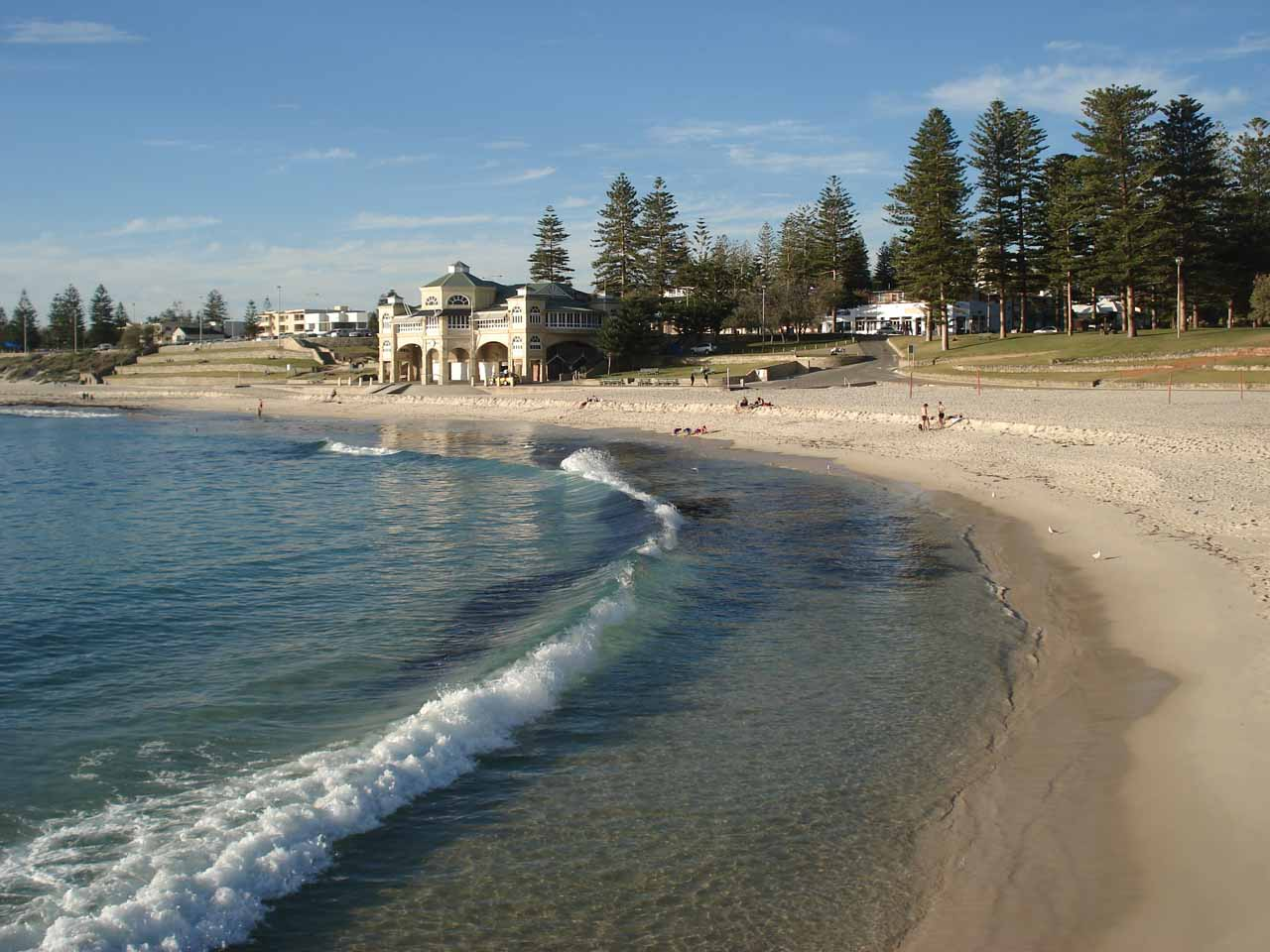 Also within the greater Perth area was Cottesloe Beach, which was a really nice and relaxing spot, especially since this was where we spent the afternoon of our last day of our WA trip back in 2006