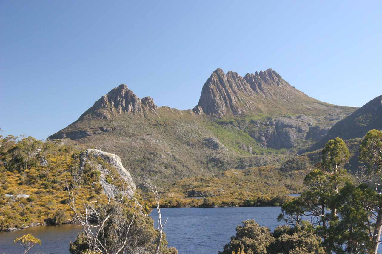 The last stop beyond the Ronny Creek Trailhead (start of our Crater Falls hike) was Dove Lake and this view of Cradle Mountain