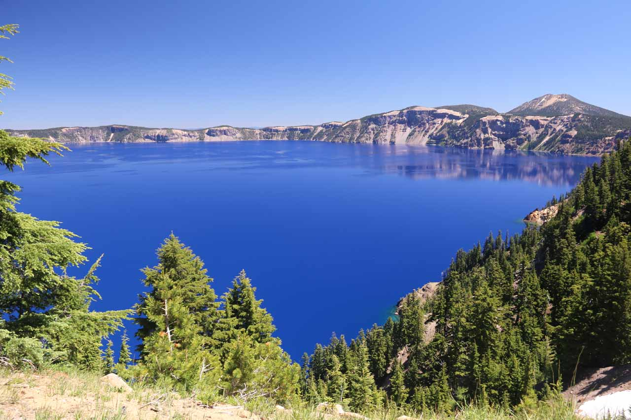 Toketee Falls was roughly an hour's drive or so from Crater Lake, where a specific chain of events caused Mt Mazama's vent to collapse and result in the sapphire blue-colored lake