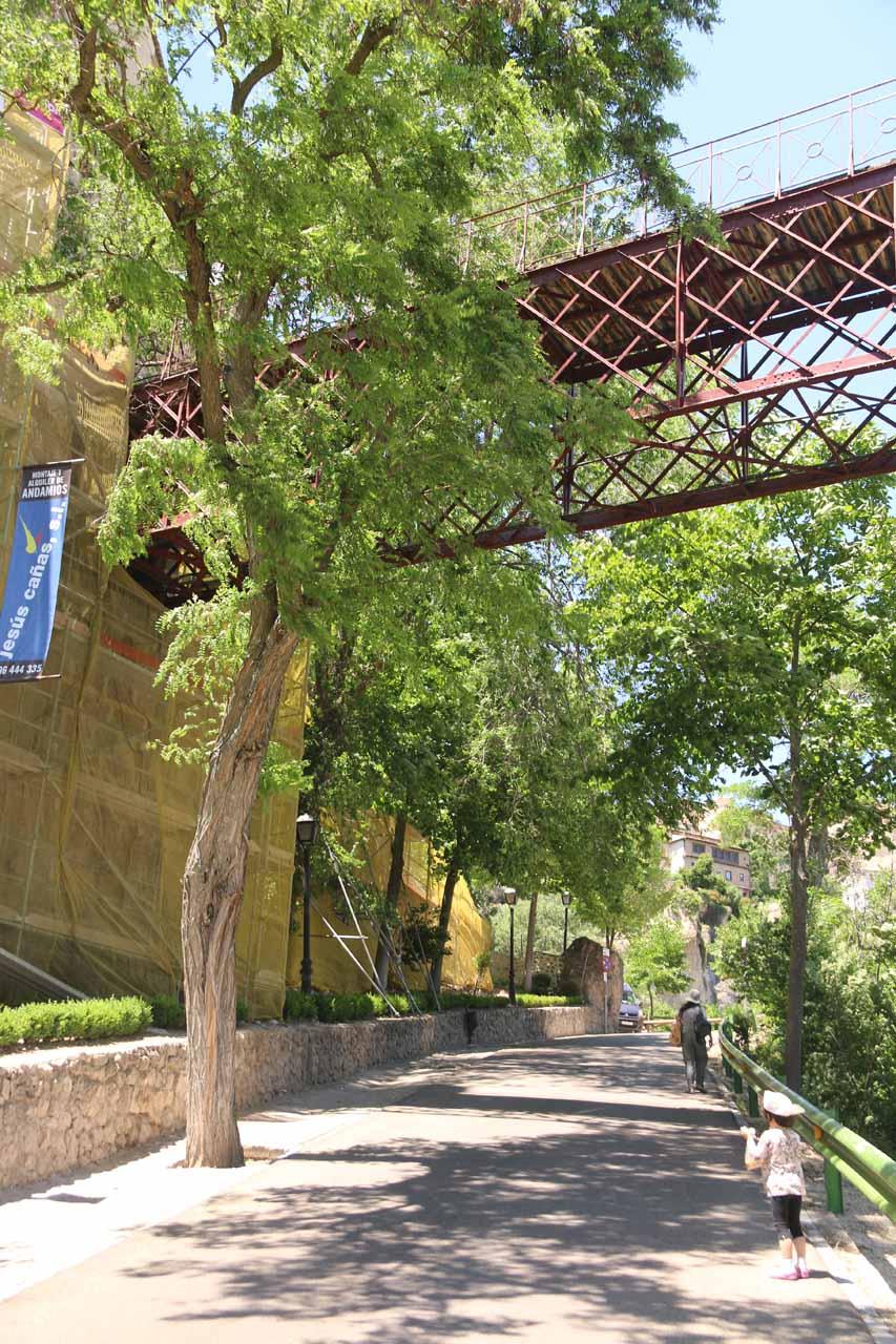 Walking beneath an interesting bridge across the gorge near Cuenca