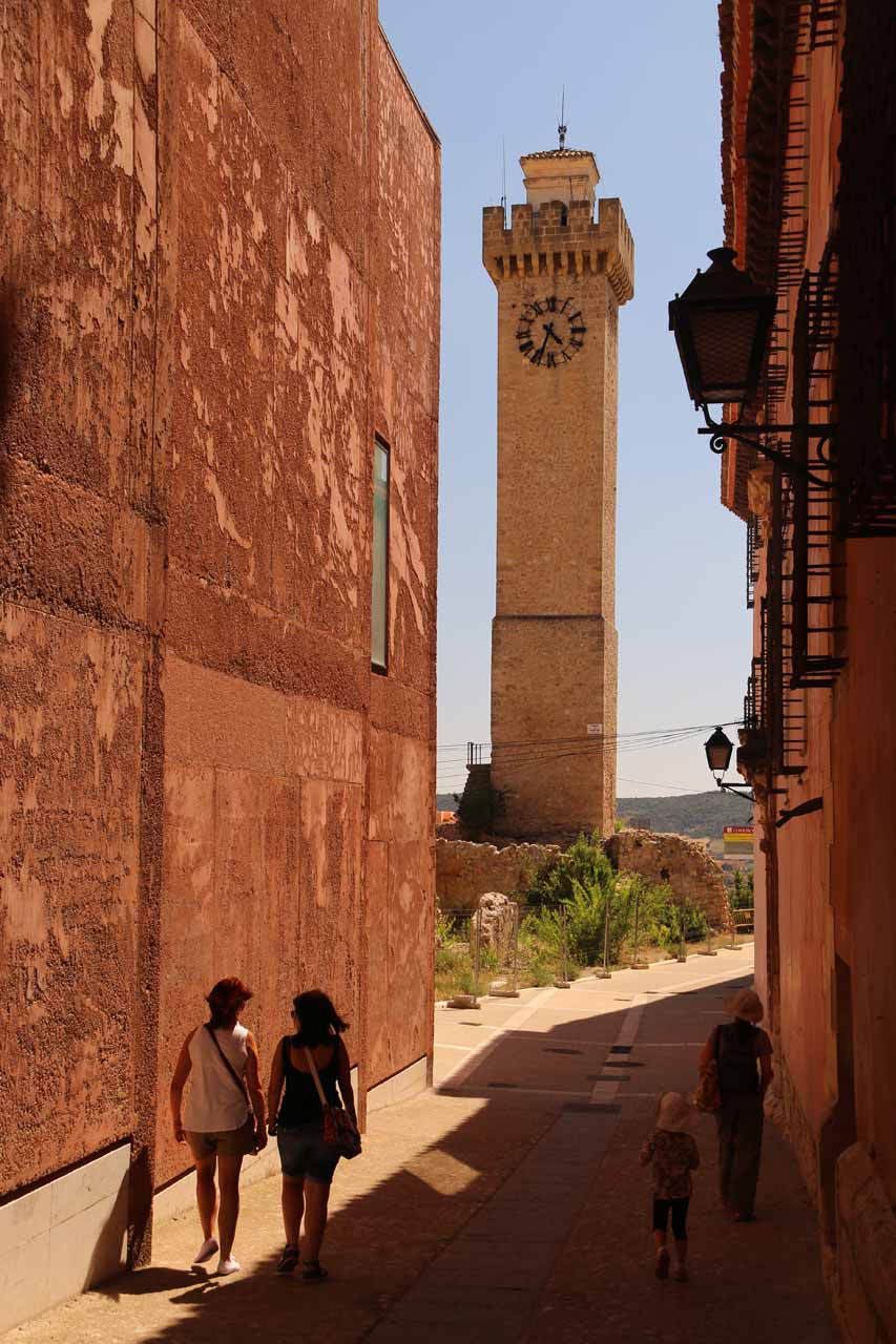 Approaching the impressive Torre Mangana