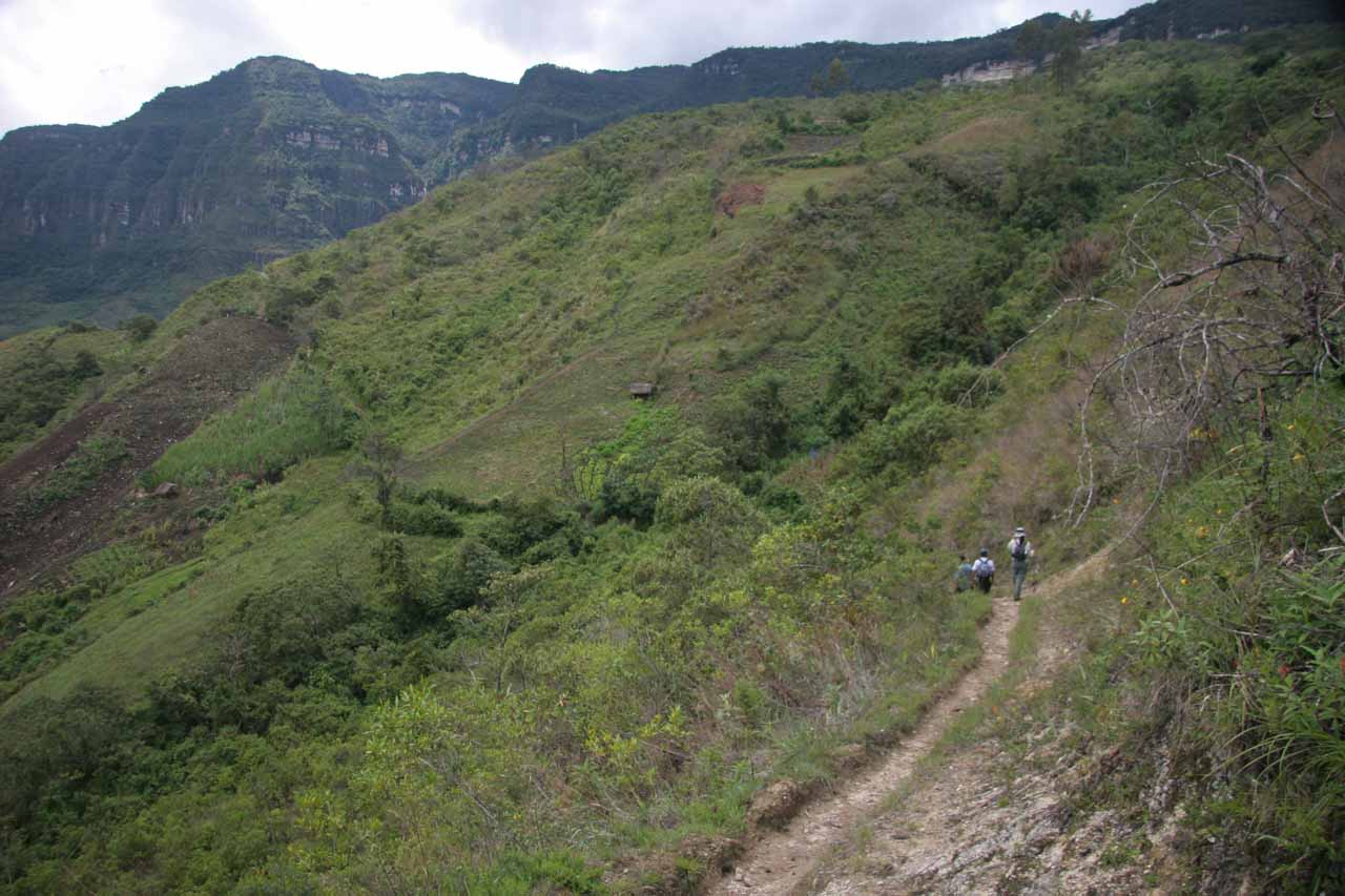 The trail started to descend as we got closer to the mirador
