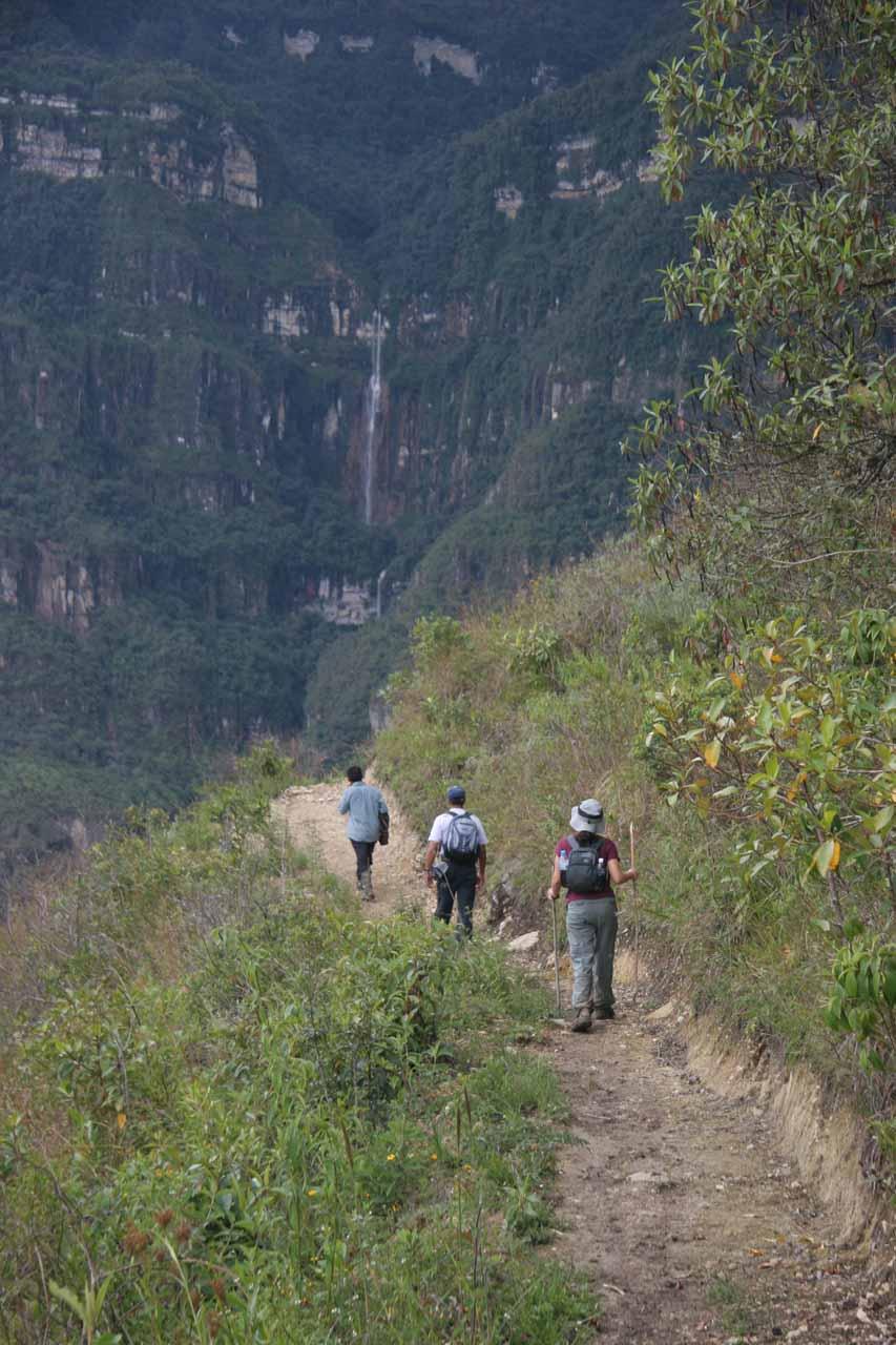 Approaching the mirador for Yumbilla