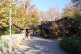Cumberland_Falls_006_20121021 - Julie approaching the Cumberland Falls State Resort Park facility