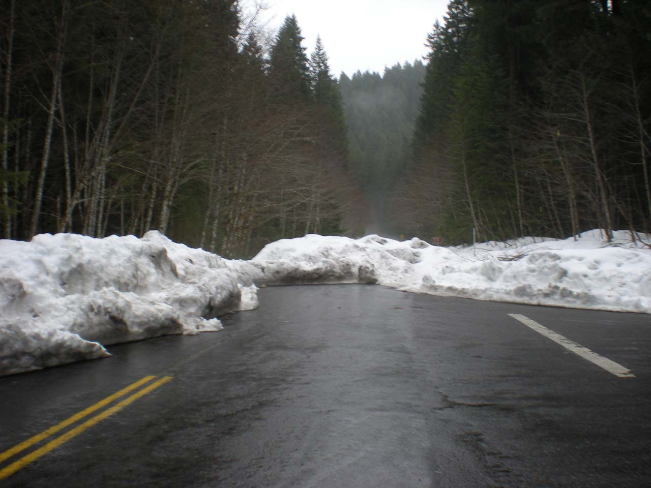 Road to Curly Creek Falls blocked by snow