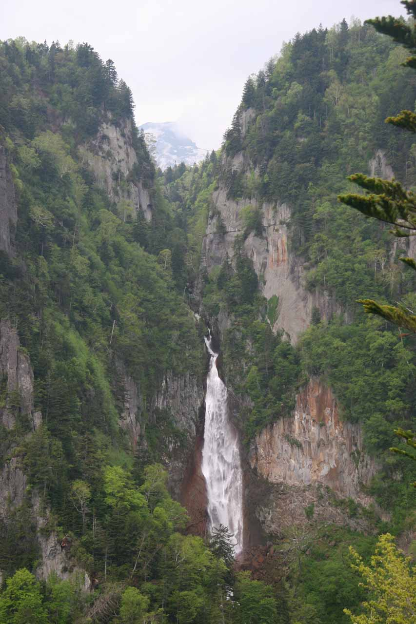 The Ryusei Waterfall from the upper viewing deck