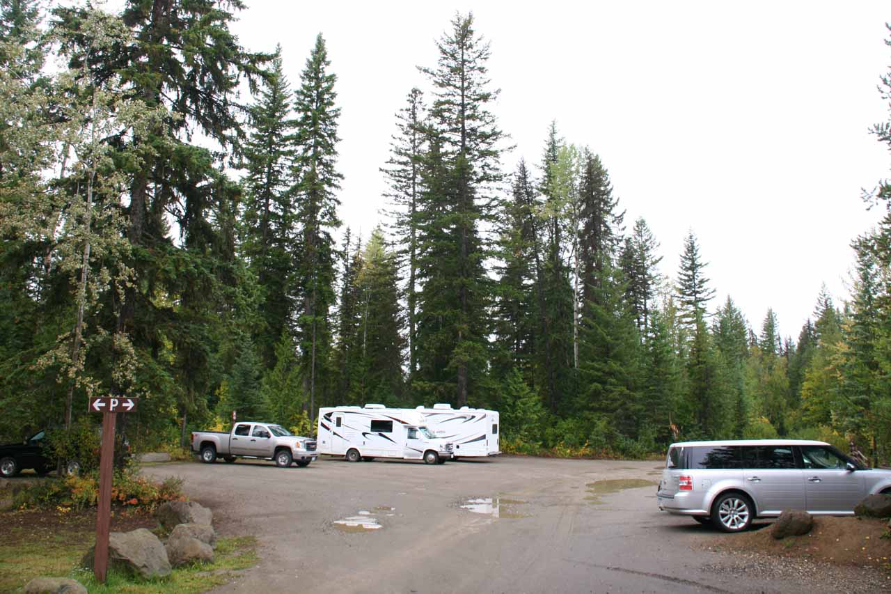 The fairly large car park right at the trailhead for Dawson Falls