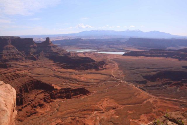 Dead_Horse_Point_17_061_04202017 - In addition to Arches and Canyonlands, Moab was also a good base for exploring Dead Horse Point, which was like a mini-Grand Canyon as the Colorado River goosenecked its way through the red canyons