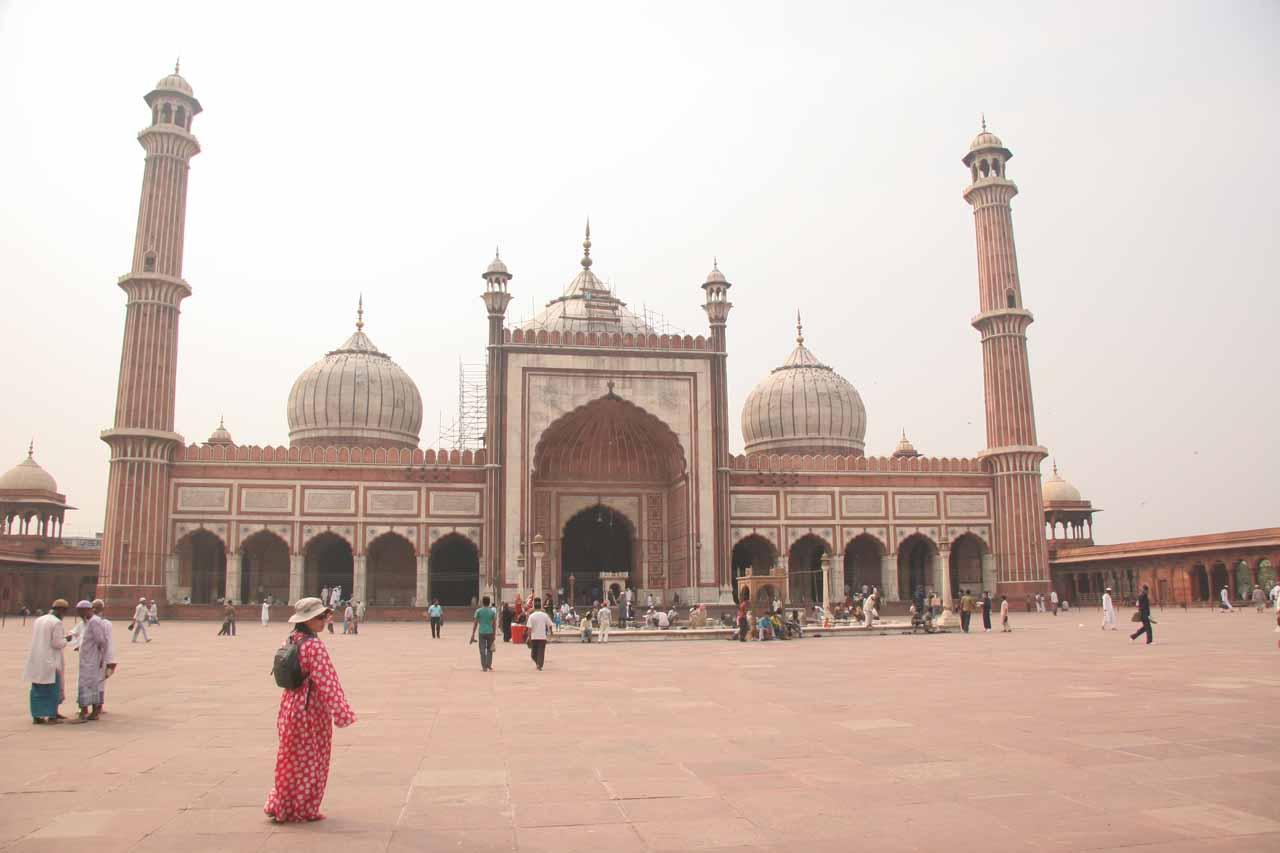Julie before the Jami Masjid