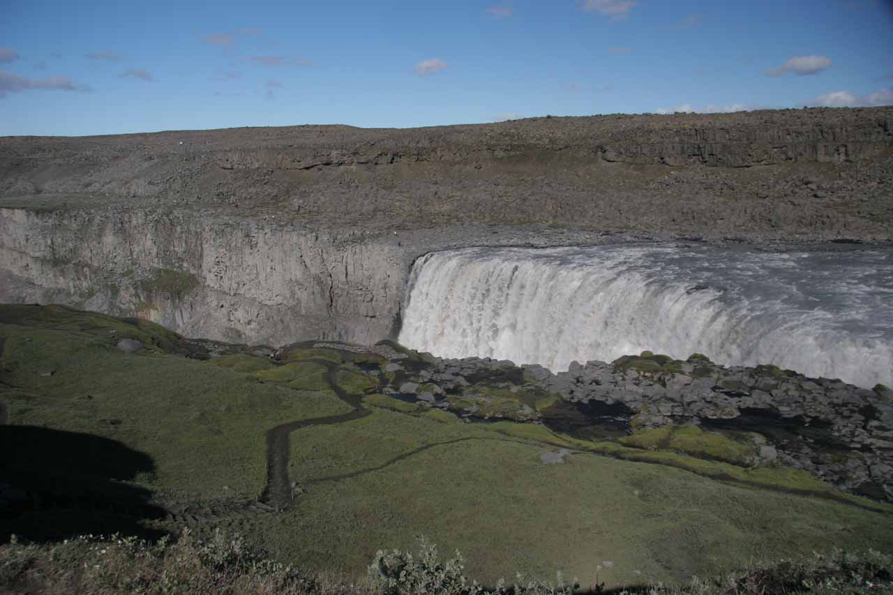 Descending towards Dettifoss again