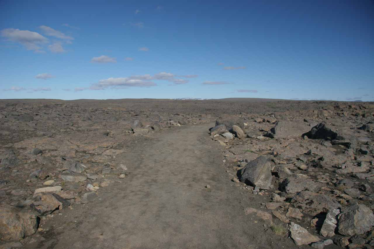 The moonscape on the western Dettifoss trail
