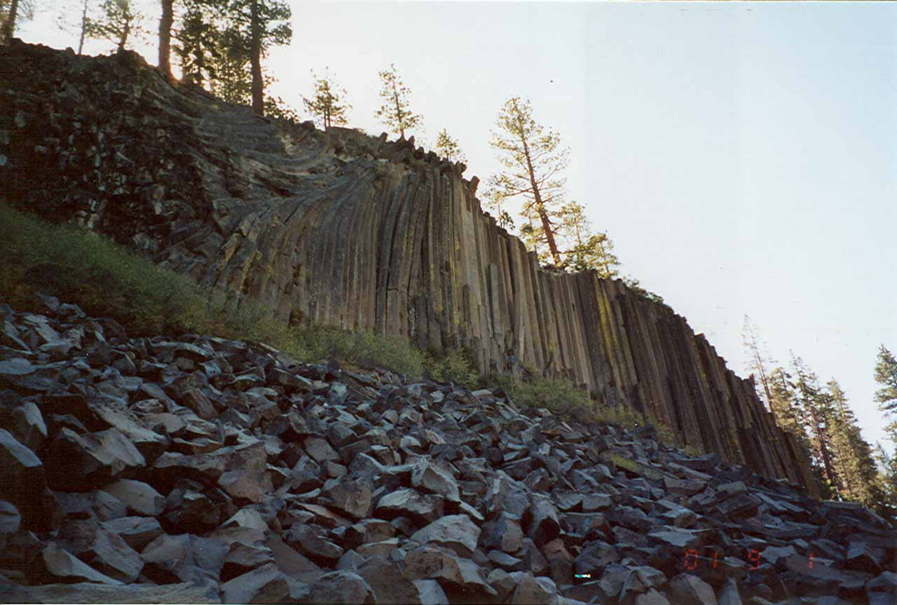 In the same reserve as the Agnew Meadows trailhead was the eccentric and namesake Devil's Postpile formation, which was a nice place to see pronounced basalt formations