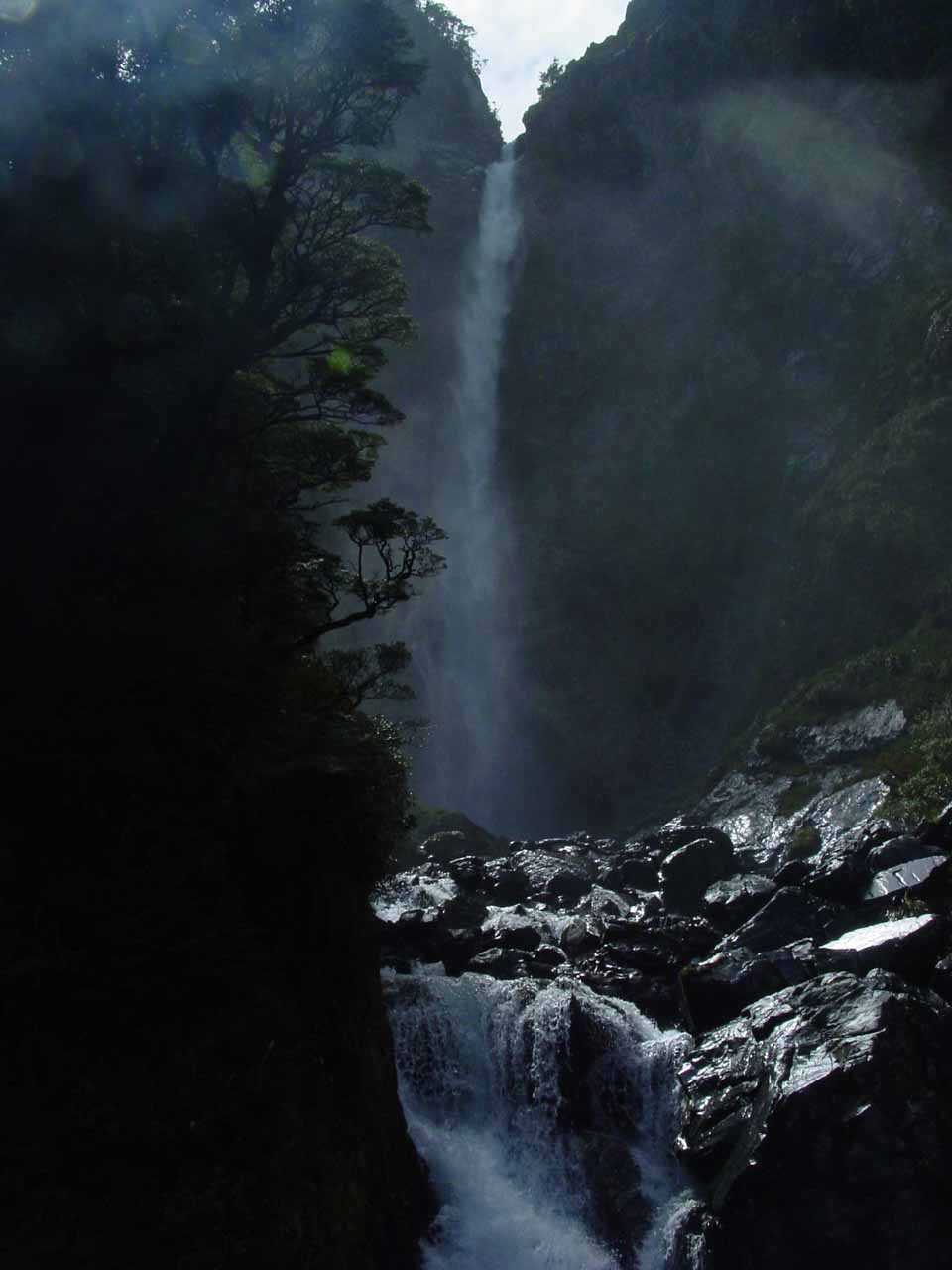 Devils Punchbowl Falls seen from the lookout at its base