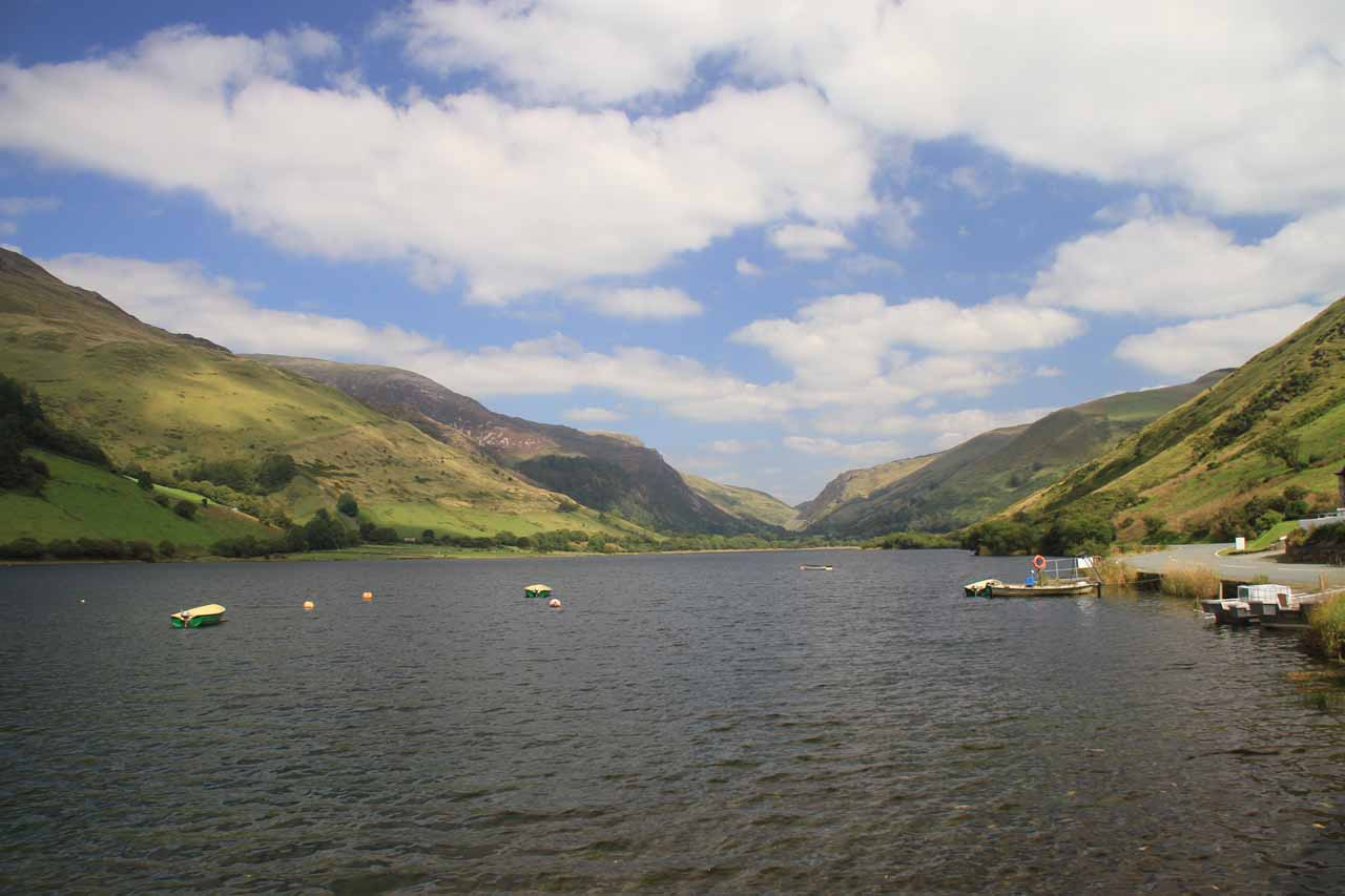 Along the B4405 road (the last 7 miles of the drive to Dolgoch Falls) was the lake Tal y Llyn, which was very pretty