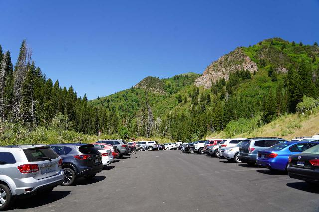Donut_Falls_323_08092020 - The busy Mill D Parking Lot right off the Big Cottonwood Canyon Road at the turnoff for Cardiff Fork Road