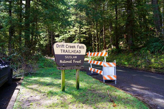 Drift_Creek_Falls_002_04082021 - Sign for Drift Creek Falls Trailhead