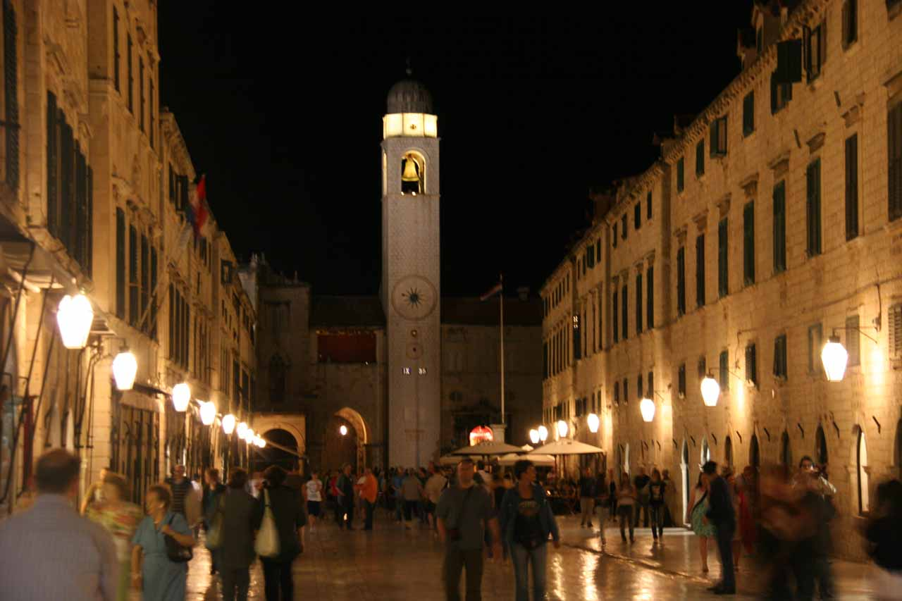 The Stradun at night
