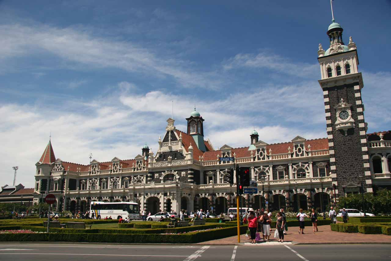 Dunedin was about 115km northeast of Barrs Falls, but we enjoyed checking out the Scottish-influenced city's architecture and culture