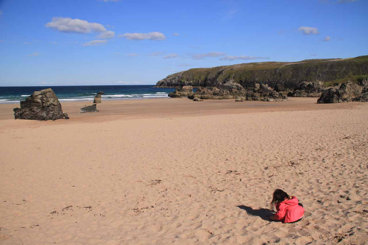 The consolation prize for Smoo Cave Waterfall being inaccessible was Tahia getting to spend more time playing in the sand at the beach by the Durness Visitor Center