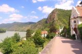 Durnstein_015_07072018 - Looking back at the context of the walkway and the Danube River at Durnstein