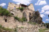 Durnstein_141_07072018 - Looking up at the castle ruins over Durnstein