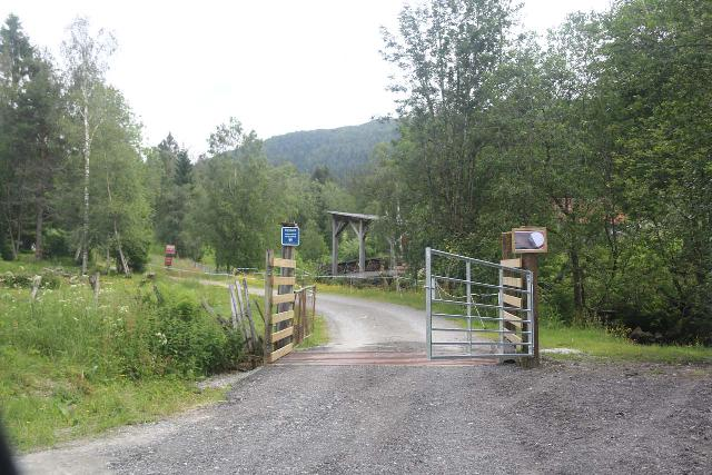 Dyrvedalen_017_06282019 - The gate fronting the toll box to get really deep into Dyrvedalen