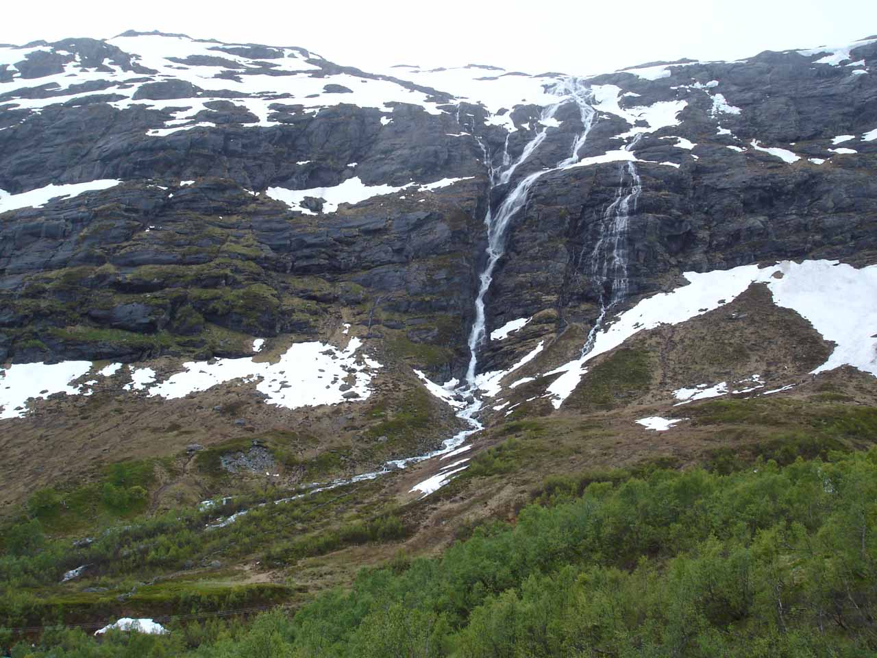 An attractively tall waterfall near the Røldal Tunnel