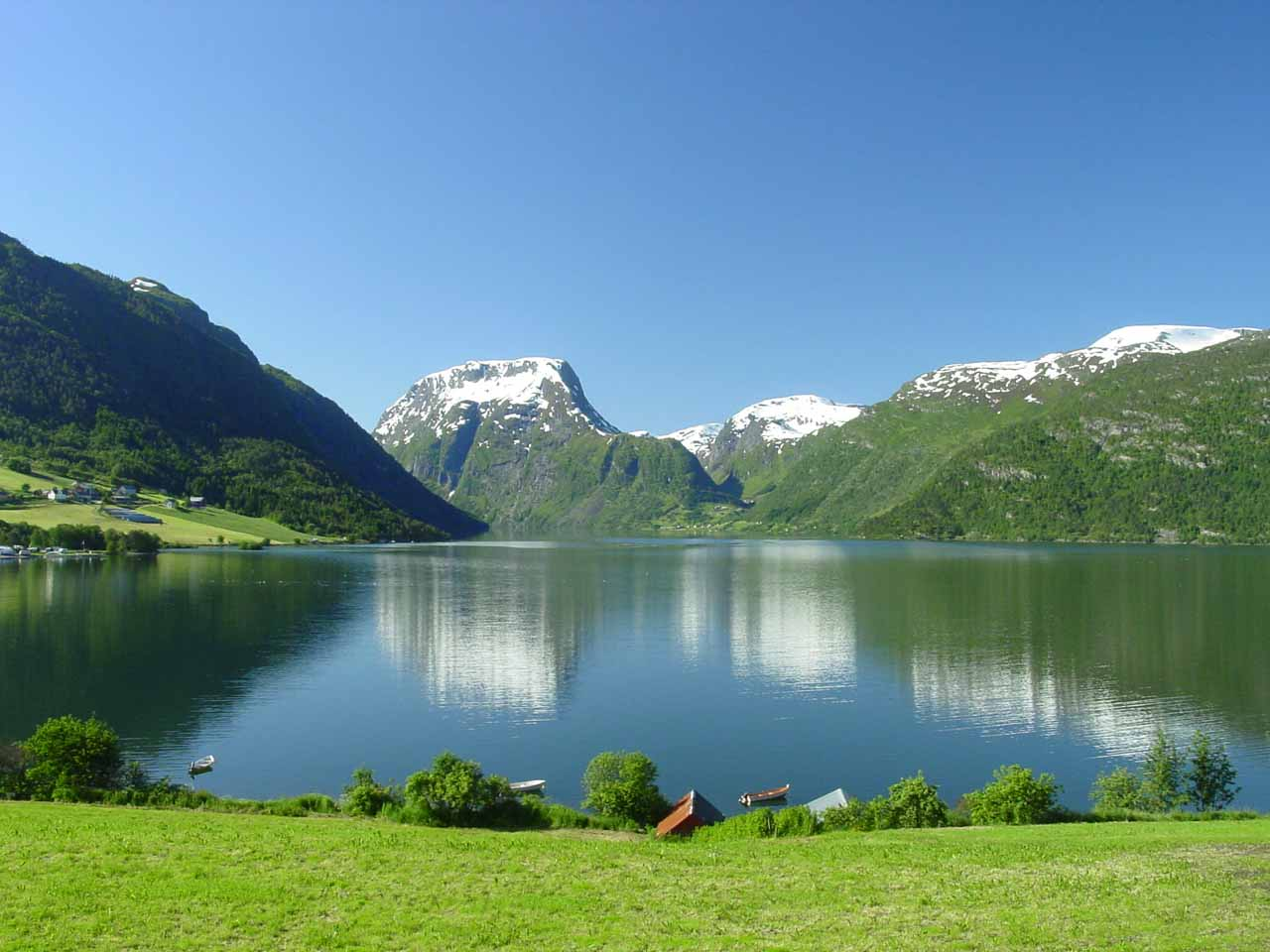 After visiting Waterfall Country in the municipalities of Førde and Gaular (which included Huldrefossen), we then headed north towards the lake Breimsvatnet, which is shown here