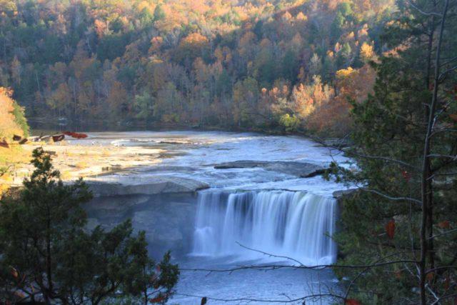 Eagle_Falls_029_20121021 - Cumberland Falls as seen from the Eagle Falls Trail