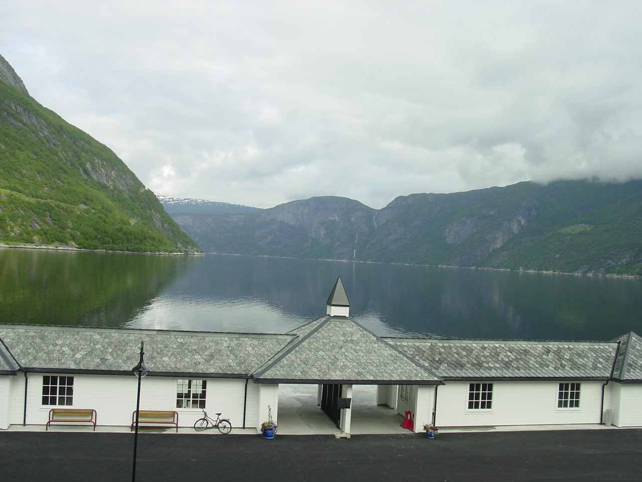 At the end of the day that we visited Vøringsfossen, we ultimately stayed in an attractive hotel in Eidfjord town right by the scenic fjord of the same name