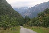 Eidfjord_kommune_006_06232019 - Looking downhill towards the rugged scenery near Hjolmodalen
