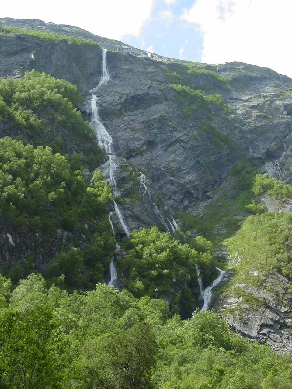 Another look at the waterfall on Sandgrova or Bruåa