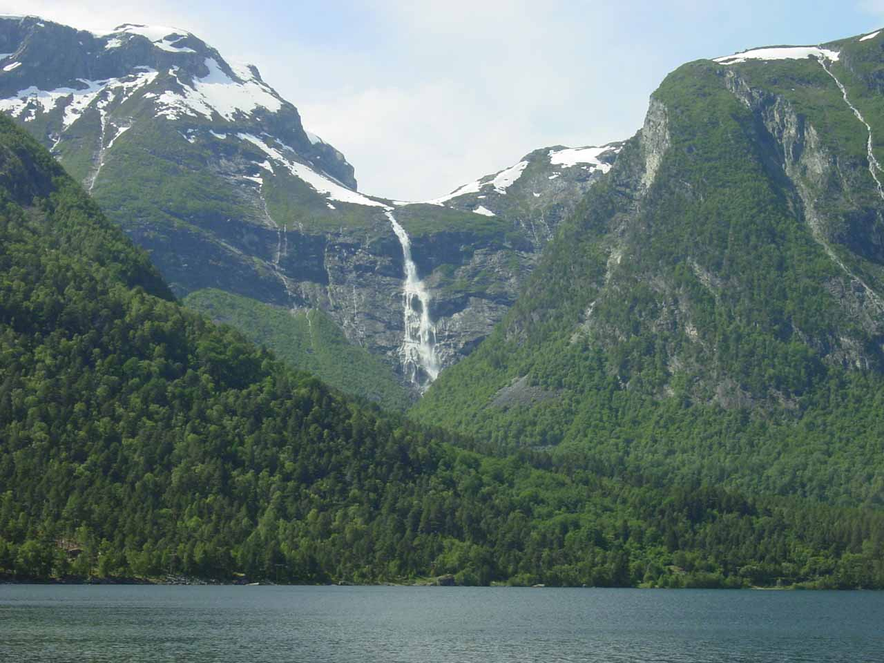 Looking across Eikesdalsvatnet towards some other impressive waterfall in the vicinity of Mardalsfossen as we were about to head north out of Eikesdalen Valley