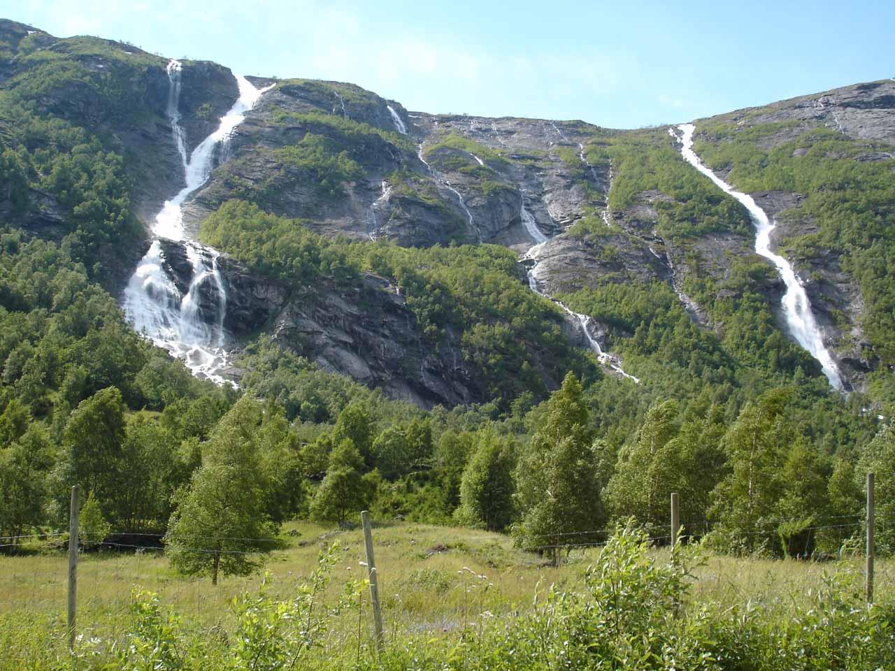 Impressive pair of waterfalls on the Tverrgrova and Høvla watercourses