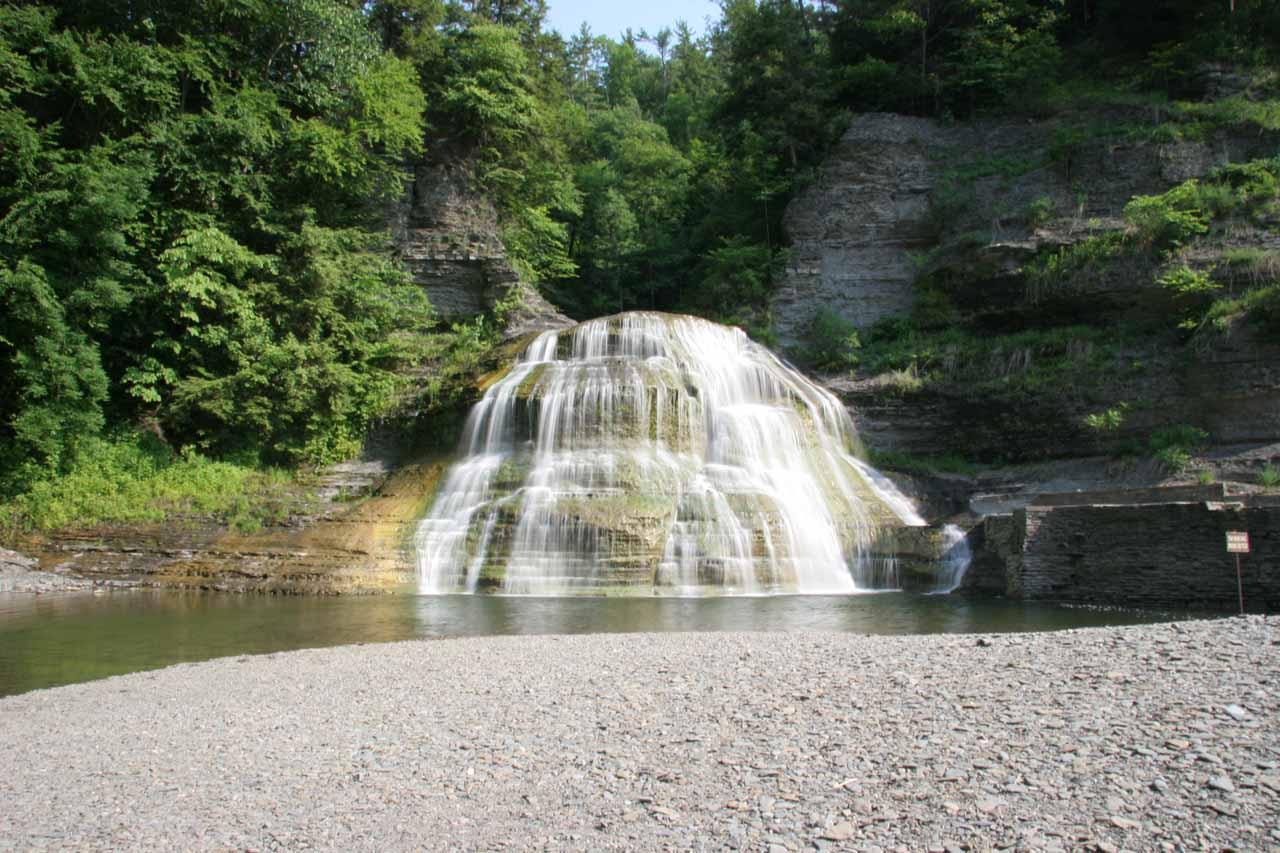 Approaching the falls