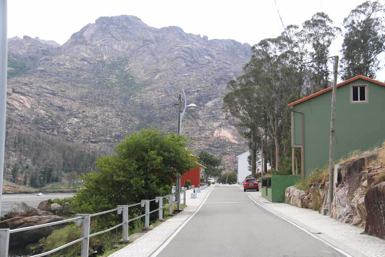 The narrow road between the hydroelectric plant along the Cp-2308 towards the town of Ézaro