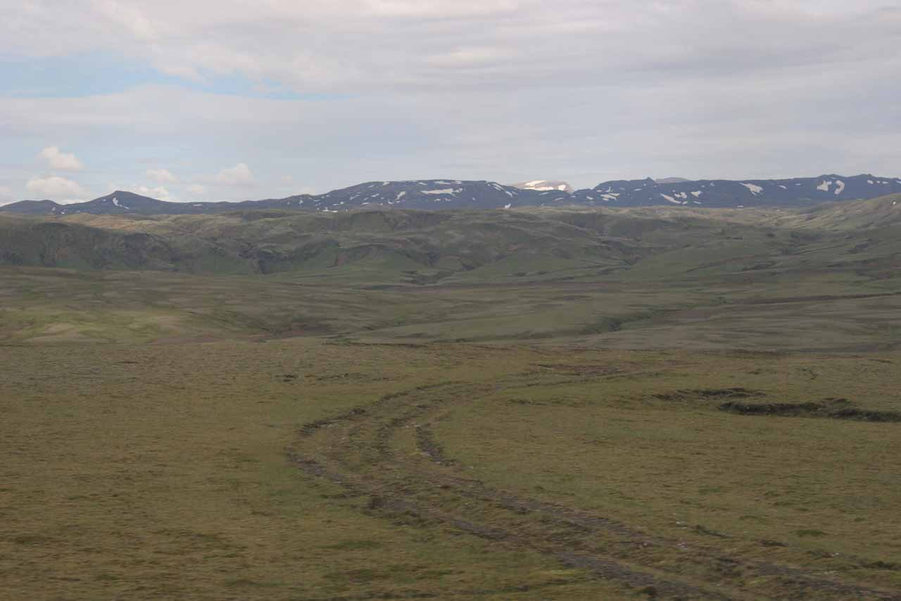 The rugged terrain around the F208 Fjallabak Road on the southern approach