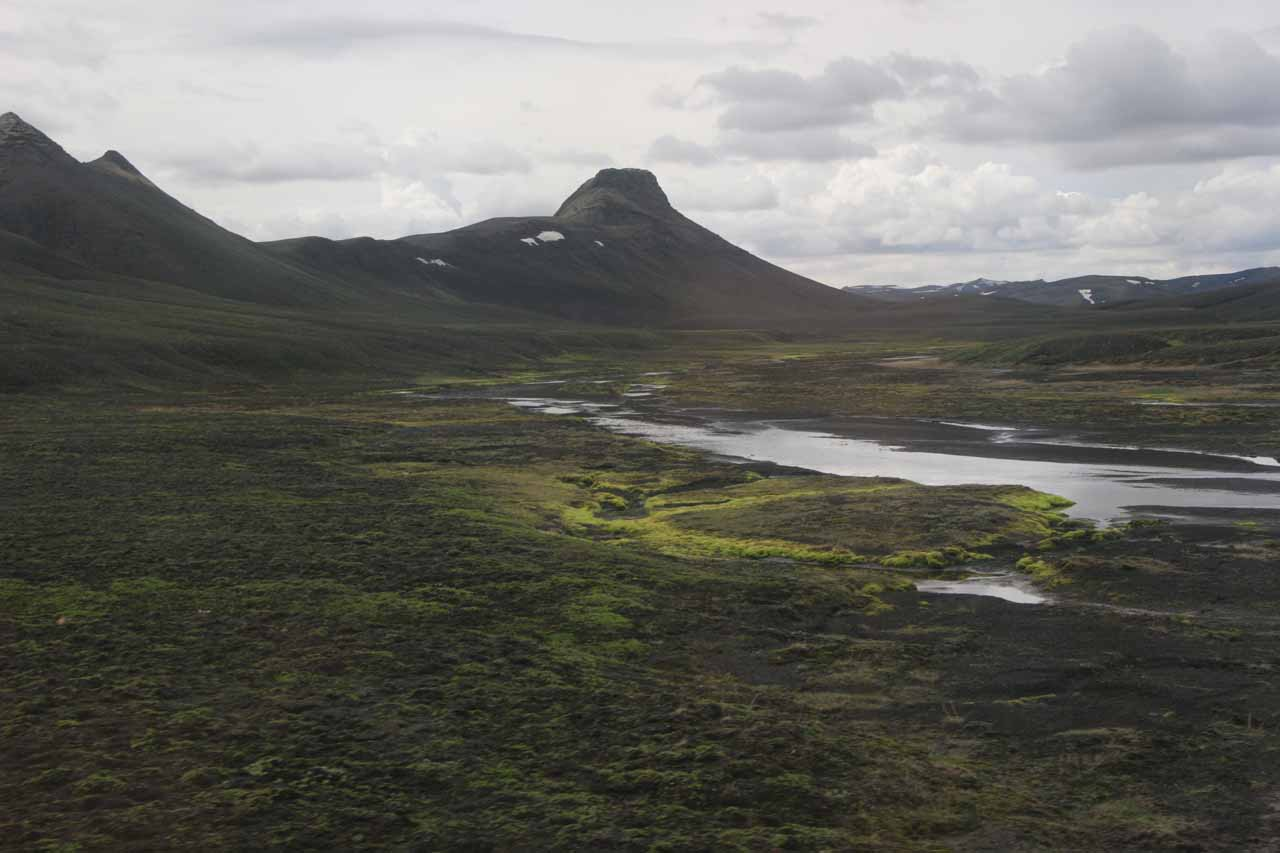 During the Eldgjá to Landmannalaugur stretch, the scenery surprised us with green mats contrasting the blackened terrain