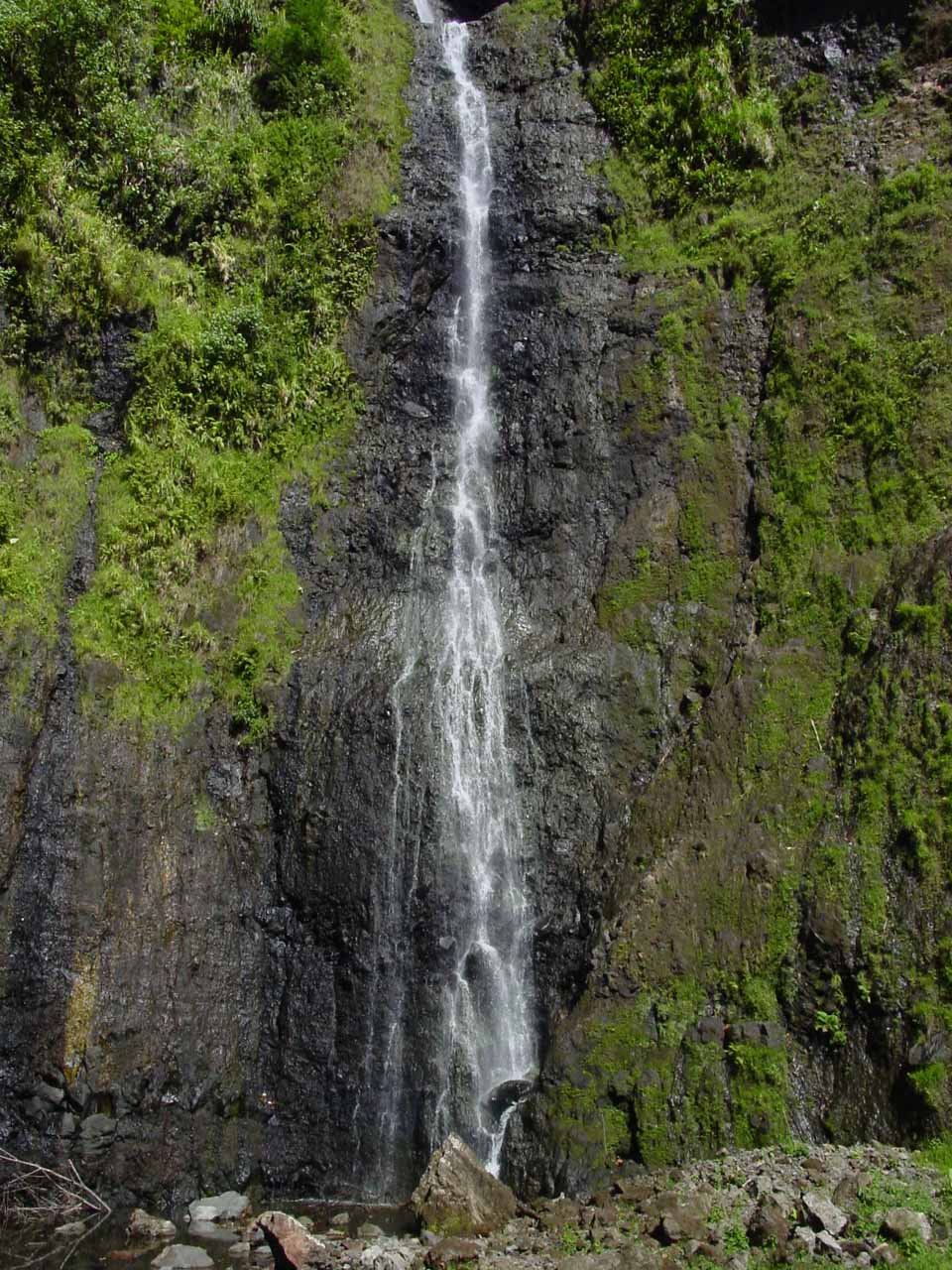 At the base of Vaimahutu Falls in September 2002