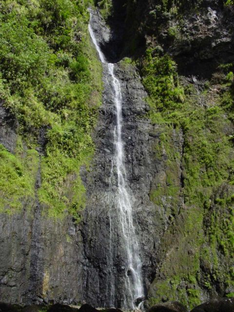 Faarumai_011_09042002 - This waterfall is the Vaimahutu Falls, which is one of the three waterfalls of Faarumai.  It is NOT the Fautaua Waterfall, which is falsely propagated on TripAdvisor