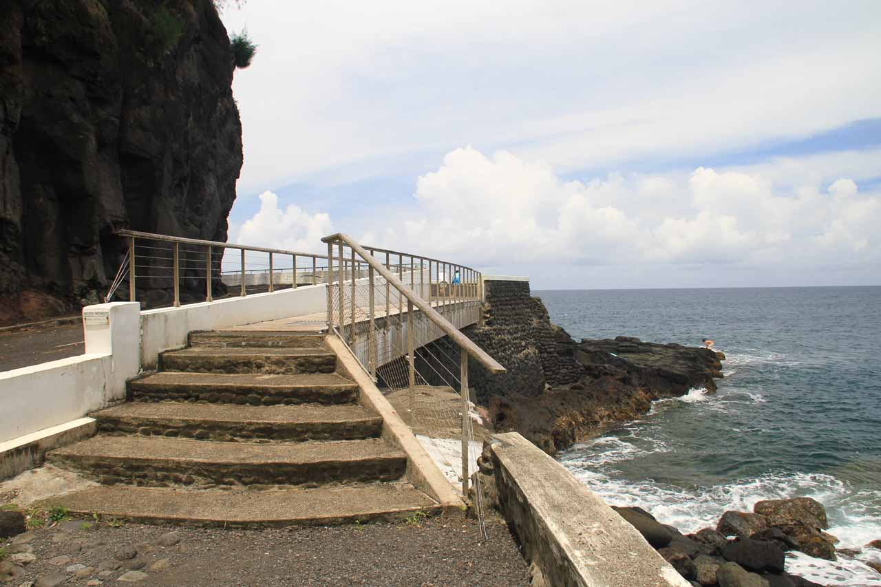 Walkway leading to the blowhole