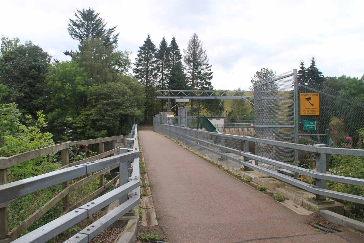 Heading back across the Bonnington Weir