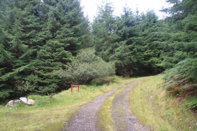 Falls_of_Glomach_007_08242014 - An encouraging sign pointing the way to the Falls of Glomach from the Dorusduain trailhead