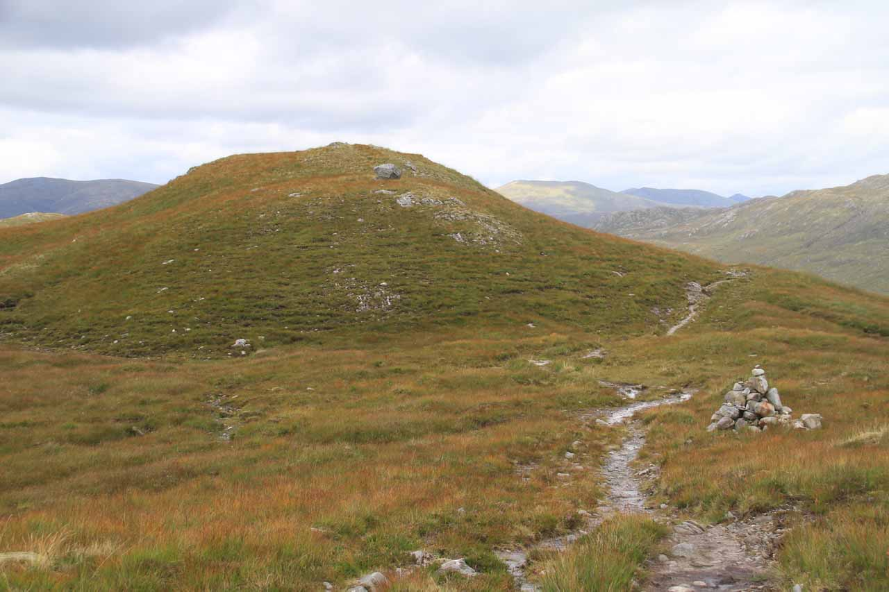 The trail started to leave the bealach beyond that hill