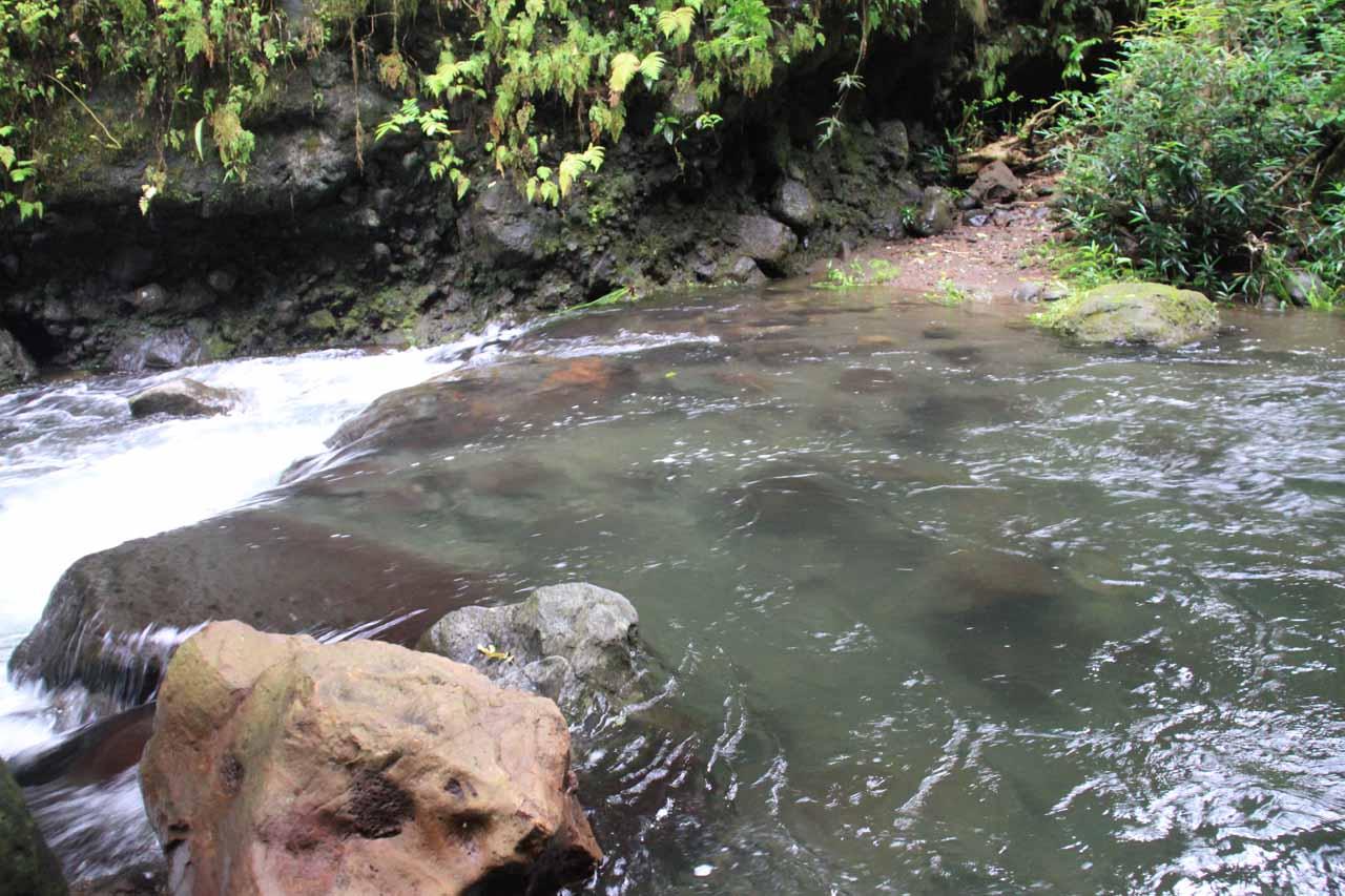 Deep crossing of the Fautaua River
