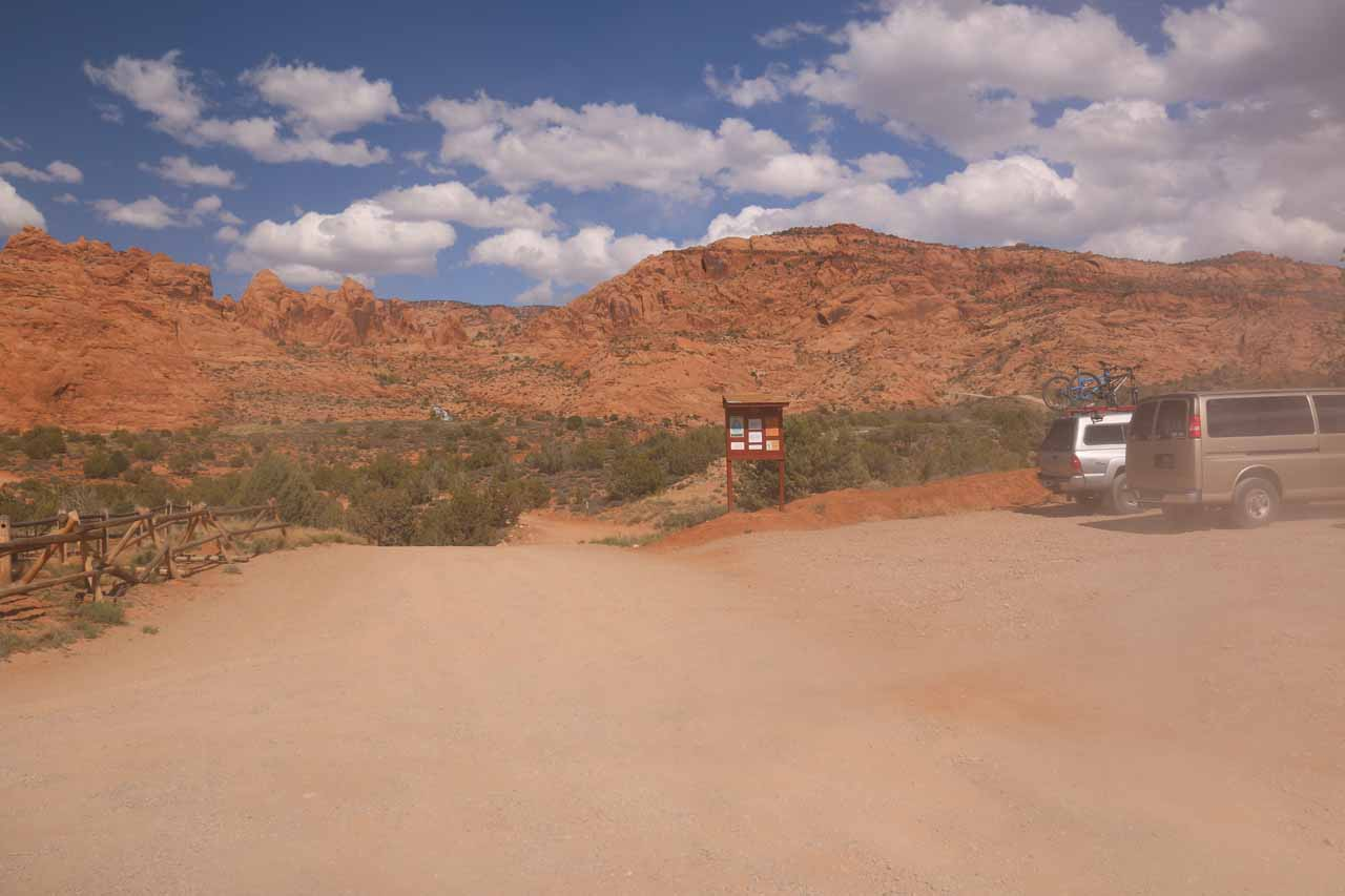 This was the 2wd trailhead parking on the right while the 4wd Faux Falls Rd continued straight ahead