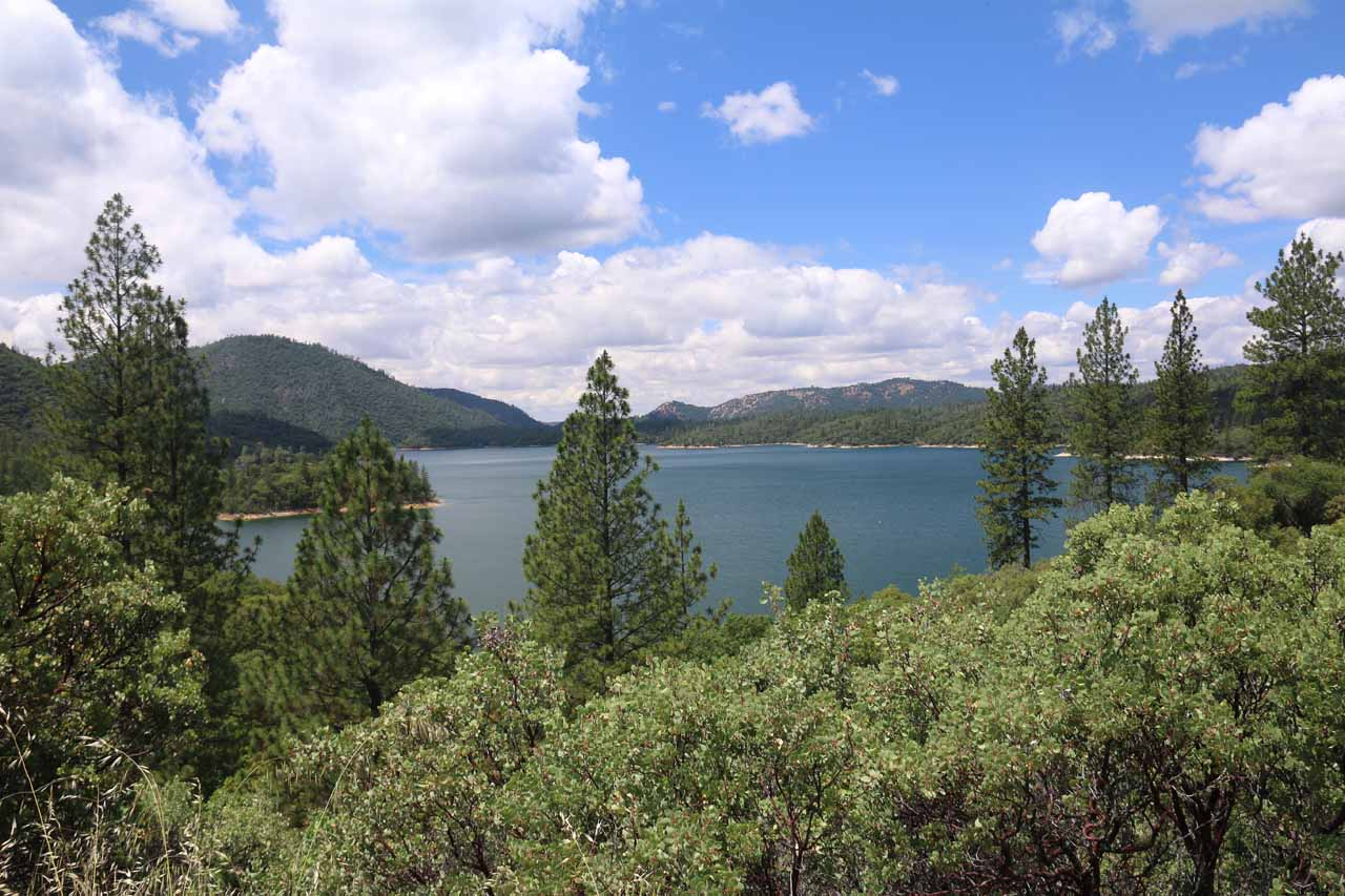 Looking over towards Lake Oroville from Lumpkin Road. This lake appeared to provide opportunities for recreation, which might be yet another reason to lodge in Oroville